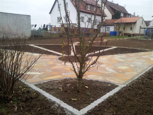 nachher: Polygonalplatten, Garten-Boss, Stuttgart