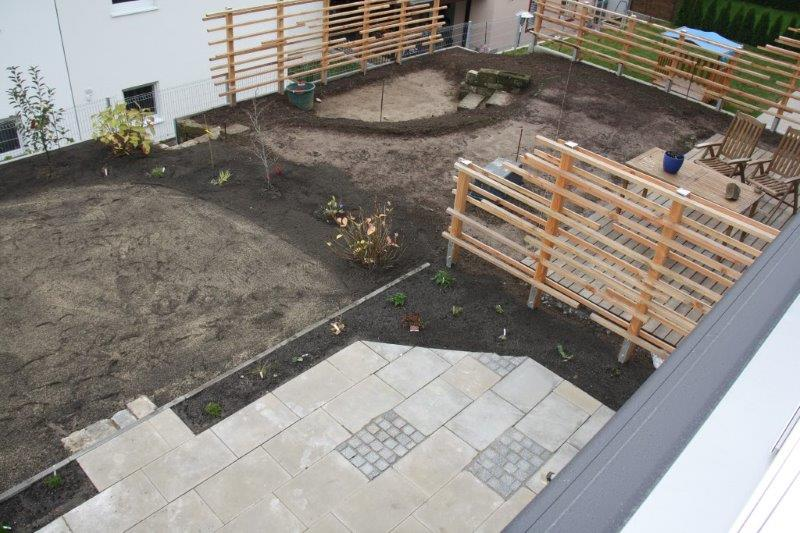 nachher: Gestaltungselemente Platten/Pflaster zusätzlich zur Bepflanzung, Garten-Boss, Stuttgart