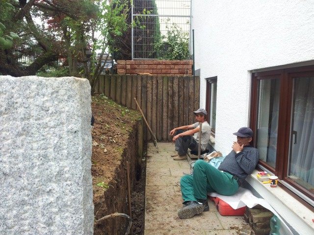 Palisade im Bau, Garten-Boss, Stuttgart