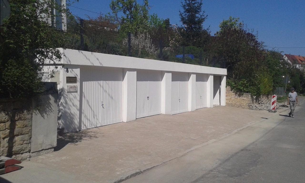 Garagenfront, gestrichen - wie neu von Garten-Boss, Stuttgart